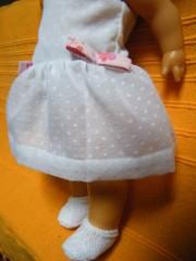poupée blanche chaussons.jpg