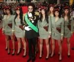 dictator tapis rouge.jpg