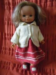 poupée rose et jaune entière.jpg